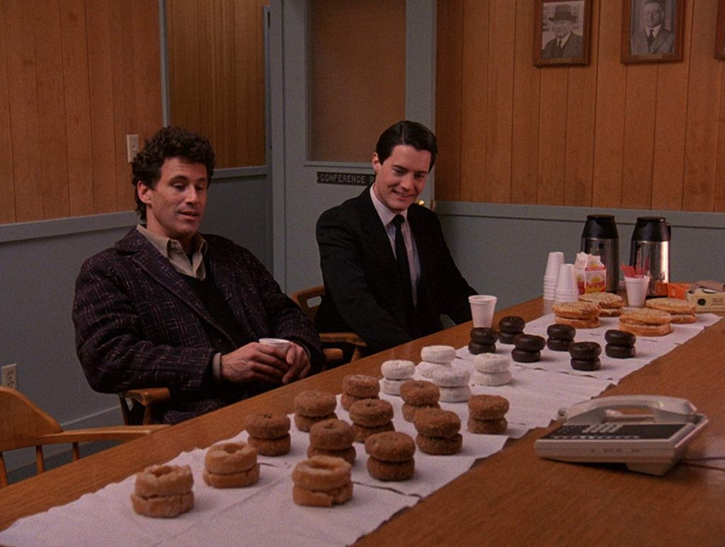 Loud and Clear Reviews Twin Peaks Kyle MacLachlan David Lynch Laura Palmer beginner's guide
