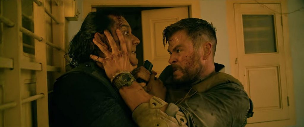 Loud and Clear reviews Extraction Chris Hemsworth Netflix