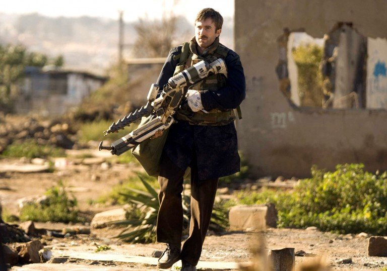 loud and clear reviews District 9